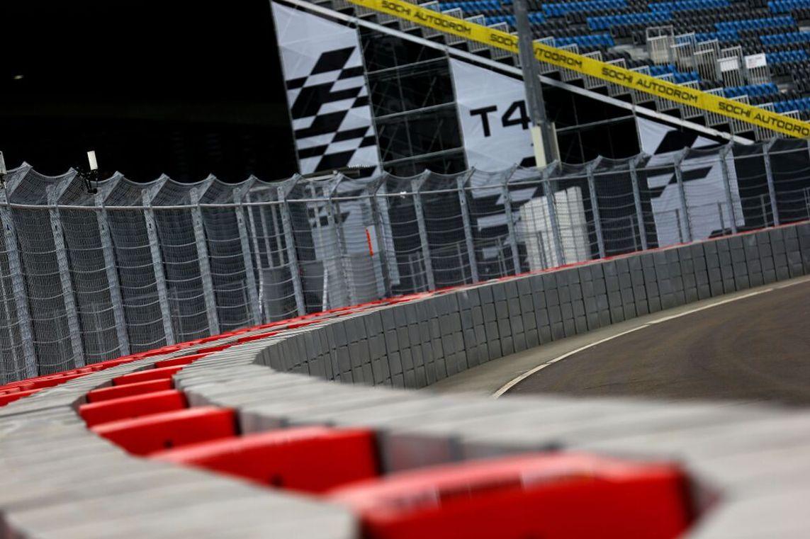 mur de pneus en formule 1 remplacés
